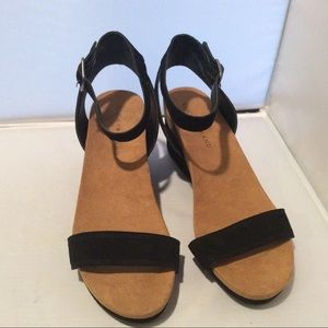 Lucky Brand Strappy Black Suede Wedge Hill Sandals